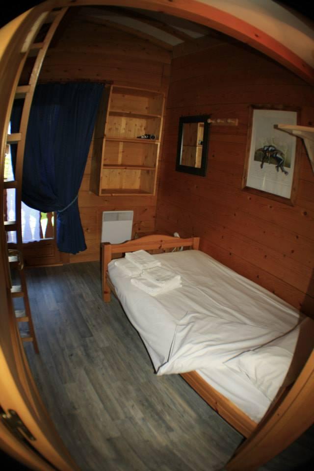 camera-con-letto-a-soppalco-doppia - Centro Snowboard - Z-OneCentro ...